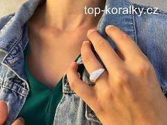 Stříbrný prsten se Swarovski kamínky
