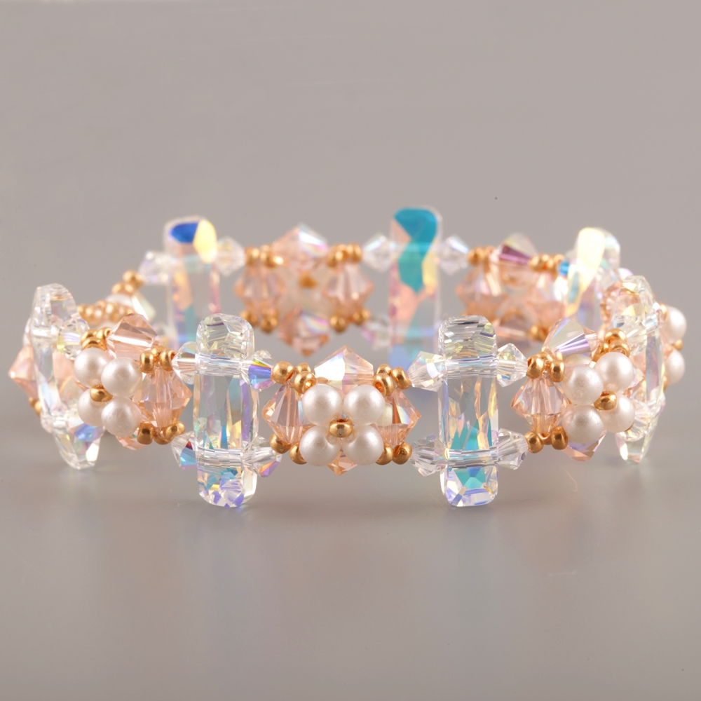 Beaded bracelet with Swarovski Elements