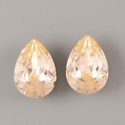 Slzička Swarovski Elements 4320 - Light Peach F - 18mm