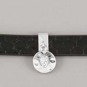 Přívěsek na páskový náramek - KOLEČKO S KAMÍNKOVÝM SRDÍČKEM - stříbrné