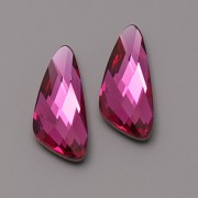Swarovski Elements Fancy Stone 4790 – Wing – Fuchsia Foiled – 18mm