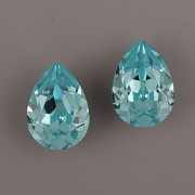 Slzička Swarovski® Crystal 4320 - Light Turquoise 8mm